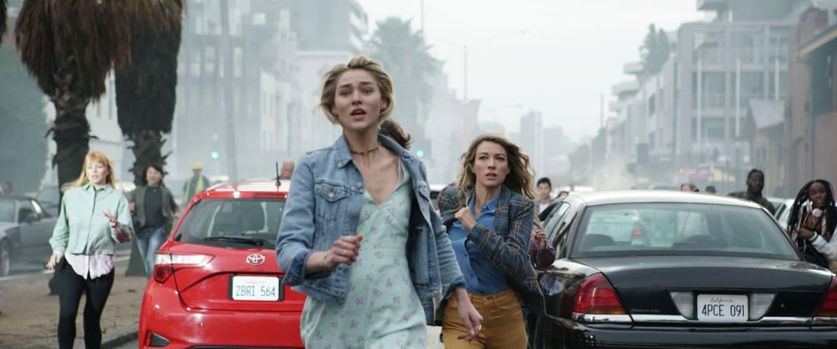 Watch La Brea - Season 1